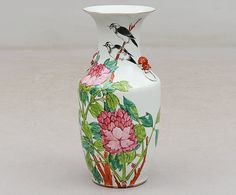 Vaso em porcelana Chinesa do inicio do sec.20th, 43cm de altura, 2,440 USD / 2,180 EUROS / 10,080 REAIS / 15,570 CHINESE YUAN soulcariocantiques.tictail.com