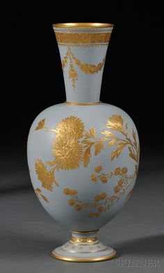 The Porcelain China Diane Porcelain Ceramics, Ceramic Vase, Fine Porcelain, Porcelain Tile, Vintage Pottery, Pottery Art, Vases, Greek Pottery, Vase Shapes