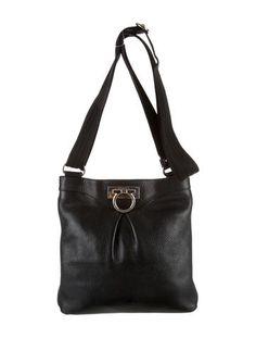 e691e0219fe 223 Best Handbags images   Consignment online, High class fashion ...