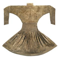 An Ilkhanid silk robe, Persia or Central Asia, 13th/14th century | lot | Sotheby's