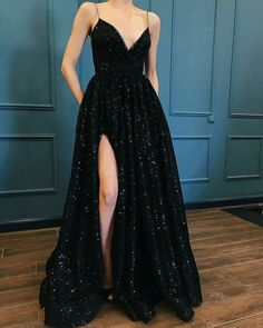love this black gown! #style