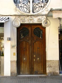 Puerta modernista, valencia | por j.labrado