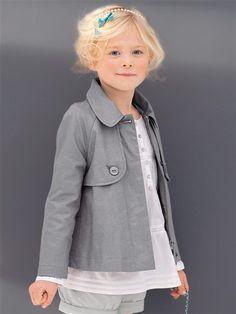 Short trench for little girl in grey