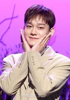 Thien Tuyet ~ MC Xiumin, Chen_ The mini album April and a flower Listening Session) Chanyeol, Exo Chen, Kyungsoo, Kris Wu, Exo Korea, Kim Minseok, Do Kyung Soo, Xiu Min, Kpop Exo