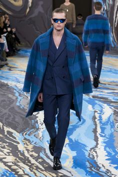 Look n°15 from the Louis Vuitton Fall/Winter 2014-2015 Fashion Show