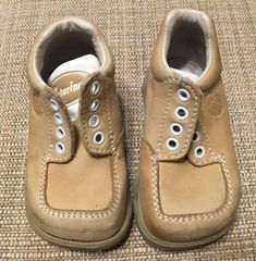 c4b5d6b48124 Naturino Little Kids Toddler Booties Sz Cream Sz 19 Suede Preowned  fashion   clothing