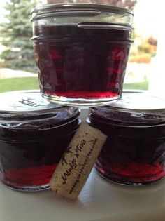 """This jelly is a lovely accompaniment to crackers and cream cheese. You can use any kind of wine, red or white. Jelly Recipes, Jam Recipes, Canning Recipes, Wine Recipes, Wine Jelly, Jam And Jelly, Dips, Salsa Dulce, Homemade Jelly"