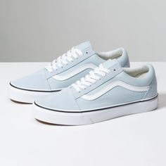 Vans Old Skool. The original classic side stripe skate shoe. Built with Vans DNA. Zapatos Shoes, Women's Shoes, Me Too Shoes, Shoe Boots, Shoes Style, Buy Shoes, Dress Shoes, Nike Shoes, Mules Shoes