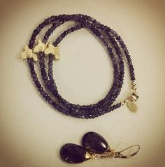 A classic: dark and What do you wear this combination with? Dark Blue, Classic, Bracelets, Gold, How To Wear, Jewelry, Derby, Jewlery, Deep Blue