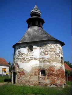 "Imagine principala Biserica Tip ""Rotonda"" - Geoagiu Bai Turism Romania, Gazebo, Tourism, Places To Visit, Outdoor Structures, Blog, Planes, Romania, Turismo"