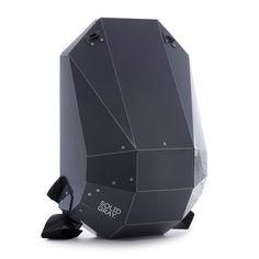 futuristic backpack in black for modern mobile lifestyle | mobility & sport . Mobilität & Sport . mobilité & sport | Design: Solid Gray @ Design Moderne |