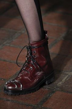 Alexander Wang Fall 2016 Ready-to-Wear Fashion Show Details