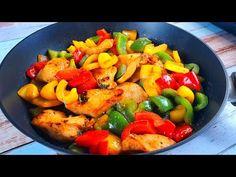 Pui cu ardei gras la tigaie – o rețetă rapidă, ieftină, extrem de aromată și sățioasă. O mâncare apetisantă, rapidă cu pui și ardei gras, galben, roșu si verde. Preparatul este gata în maxim jumătate de oră. Poți prepara această rețetă de pui în 3 culori atunci când nu ai inspirație sau timp pentru ceva… Stuffed Bell Peppers Chicken, Pan Fried Chicken, Fruit Salad, The Creator, Dishes, Vegetables, Ethnic Recipes, Sweet, Food