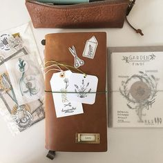 Such inspiration for a Monday morning. Thank you to the talented Marion @rekersdreesdesign for these beautiful paper goodies. #travelersnotebook #travelersnote #midoritravelersnotebook #planneraddict #planner #plannerlove #plannercommunity #journal #journaling #stationery #japanesestationery #japan #paperbundle #nature #naturestickers #botanicalart #toolstoliveby #taiwan #washi #washitape #maskingtape #papertape #illustration #natureillustration