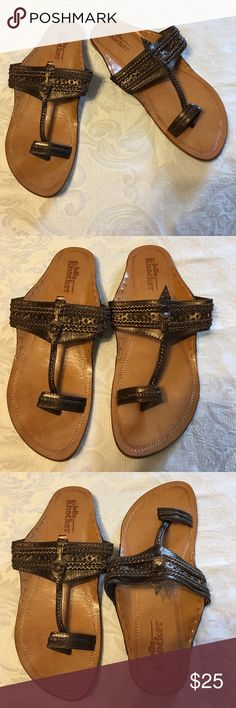 Jolly Knocker Bronze Toe Sandals Shoes 39 Size 39 Jolly Knocker Bronze Leather Toe Sandals Shoes Flats Pre-owned in great condition. Jolly Knocker Shoes Sandals