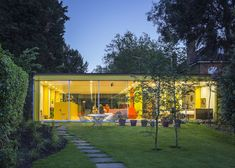 Richard Rogers donates house for parents to Harvard