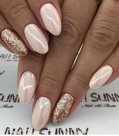 Semi-permanent varnish, false nails, patches: which manicure to choose? - My Nails Chrome Nails, Gold Nails, Pink Nails, My Nails, Nail Design Glitter, Glitter Nail Art, Gold Nail Art, Gold Glitter, Trendy Nails