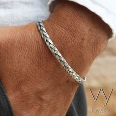 You many think that the higher the carat, the better the jewelry. Not so with for men's gold jewelry. Read more here about which gold to buy for jewelry. Mens Silver Jewelry, Silver Cuff, Silver Man, Sterling Silver Jewelry, Silver Chains For Men, Mens Silver Rings, Bracelets For Men, Jewelry Bracelets, Men's Jewelry