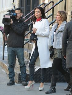 Carole Radziwill Photos Photos: Carole Radziwill & Bethenny Frankel Film In NYC Carole Radziwill, Bethenny Frankel, Real Housewives, Photo L, Second Skin, Movies Showing, Style Icons, Movie Tv, Autumn Fashion