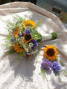 Sunflowers and cornflowers- A Summer bouquet. www.blubellelane.co.uk