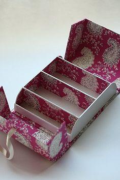 こちらの作品は申し上げるまでもなく、Dominique Augagneur先生の Reve de femme(宝石箱)を参考にして作っています。  ...