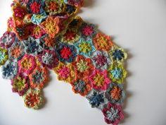 - Page 4 - Granny mania ! Old Granny, Crochet Granny, 4th Of July Wreath, Burlap Wreath, Plus Belle, Voici, Inspiration, Accessories, Crocheting