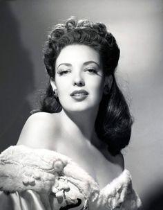 Linda Darnell - Monetta Eloyse Darnell - 1923/1965 - Actrice Américaine - Le signe de Zorro/La poursuite infernale/Chaînes conjugales