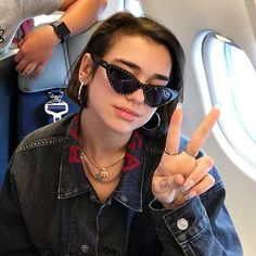 tag Dua in comments . My Dua, Chica Cool, Celebs, Celebrities, Grunge Fashion, Short Hair Styles, Ikon, Casual Outfits, Women