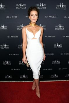 Splurge: Kate Beckinsale's Battersea Power Station Global Launch Party Paula Mendoza Hera Gold Plated Choker and Zimmermann Crepe Plunge Dress