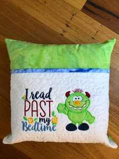 Machine Embroidery Projects, Machine Embroidery Applique, Quilting Projects, Sewing Projects, Book Pillow, Reading Pillow, Pillow Talk, Baby Patchwork Quilt, Christmas Cushions