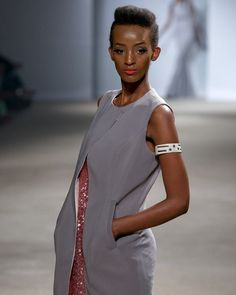 @kampalafashionweek runway  Design  @kwesh_ug  Accessories  @thekona  Model  @tonigeorgette  Hair  @chrishair79  Photo  @photo4fashion  Makeup  @glambymi working with @paramourcosmetics  Production team  @ldjprodnyc  #makeupbyme #makeupbymi #amuaski  #BurundianMUA #BurundiOnTheMap #MUA #Uganda #Kampala #Burundi #Buja #Rwanda #Kigali #MakeupArtist #GlambyMI  #InstaBeauty #AfricanGirlsKillingIt #Team257 #Naturalista #BurundianMakeupArtist #eastafrican_queen #stylemeafrica #FashionMakeup…