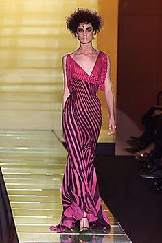 Versace Spring 2001 Couture Collection Photos - Vogue