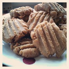 Allie in Wonderland: Gluten-free vegan peanut butter cookies