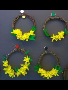 Easter, Flowers, Crafts, Manualidades, Easter Activities, Handmade Crafts, Royal Icing Flowers, Craft, Arts And Crafts
