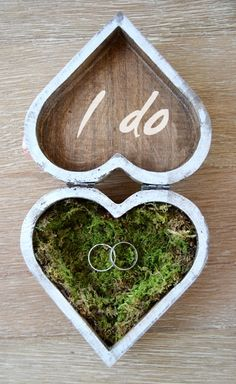 Original Wooden Heart Box Carrier Alliances . Heart Wedding Rings Paper flowers…