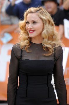 Madonna surge toda lindona na apresentação de seu filme em Toronto