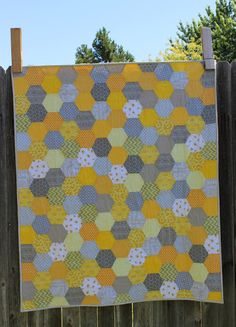 Porch Swing Quilts: Friday Finish: Yellow and Grey Hexie Baby Quilt Owl Quilts, Cute Quilts, Baby Quilts, Hexagon Patchwork, Hexagon Quilt, Patchwork Quilting, Sewing Machine Quilting, Sewing Machines, Hand Quilting