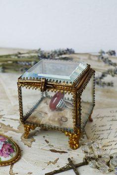 アンティーク ジュエリーボックス(上面カットガラス) French antique jewelry box