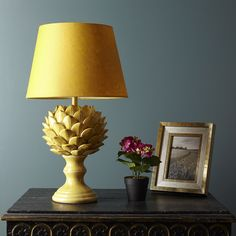 The magnificent artichoke inspires this lovely tablelamp, and it revels in a suitably rustic glaze.