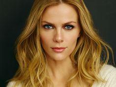 Brooklyn Decker's Must-Have Makeup Essentials
