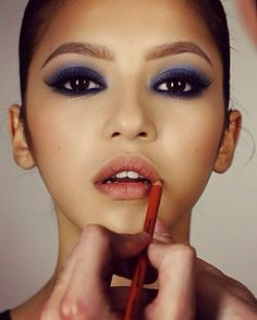MAKE UP FOR EVER  smokeyeye blue