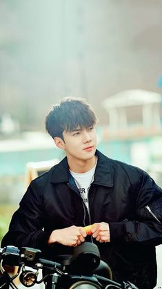 Good looking maknae in EXO, Oh Sehun<< He is our sassy + diamond maknae Baekhyun Chanyeol, Park Chanyeol, Kpop Exo, Btob, Shinee, Luhan And Kris, Kim Minseok, Xiuchen, Exo Ot12