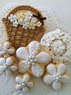 Couture flower cookies~ By c-bonbon, ivory, lace, pearls Fancy Cookies, Iced Cookies, Cute Cookies, Easter Cookies, Cupcake Cookies, Sugar Cookies, Cookie Favors, Heart Cookies, Valentine Cookies