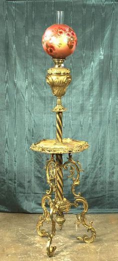 294: American Victorian brass piano lamp with fancy scr : Lot 294