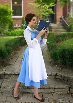 Belle Blue Dress Costume - Beauty and the Beast Sara du Jour Beauty And The Beast Diy, Beauty And The Beast Costume, Beauty Beast, Belle Blue Dress Costume, Costume Dress, Belle Dress Up, Belle Halloween Costumes, Adult Costumes, Adult Halloween