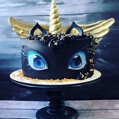 Incredible cute black unicorn cake that looks a bit like Toothless from How to Train Your Dragon. Black cake with gold horn and wings baked by Russian baker Gebi Cakes. Pretty Cakes, Cute Cakes, Black Unicorn Cake, Dragon Birthday, Birthday Cake, Animal Cakes, Zucchini Cake, Salty Cake, Fancy Cakes