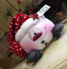 Primitive RaGeDY ChRiSTmaS DoLL Snow SnOWmaN Shelf Sitter Bowl Filler Tuck FUN!! #Christmas Whimsical Christmas, Christmas Pillow, Christmas Crafts, Xmas, Felt Christmas, Christmas Snowman, Christmas Ornaments, Christmas Time, Snowman Decorations
