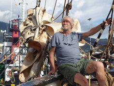 """fair cargo sailing apprenticeship (german) - Entspannt: (...) Paul-Gerhard Petzel (77) genießt den Aufenthalt auf der """"Tres hombres"""". Das Segelschiff unter niederländischer Flagge transportiert Biowaren über den Atlantik – auf faire Weise nur mit Windkraft. Fotos: Privat - © privat"""