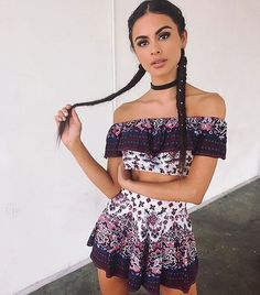 Sophia Miacova - This lil party-starter Let the free brewskies start pour'n 'Peace Giver top/shorts ' Cute Fashion, Boho Fashion, Fashion Models, Fashion Outfits, Sophia Miacova, Casual Outfits, Summer Outfits, Look Formal, Looks Street Style