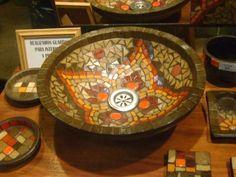 lavabos en mosaiquismo - Buscar con Google Mosaic Vase, Mosaic Tiles, Mosaic Designs, Mosaic Patterns, Cuba, Mosaic Madness, Bowl Sink, Plates And Bowls, Beautiful Family